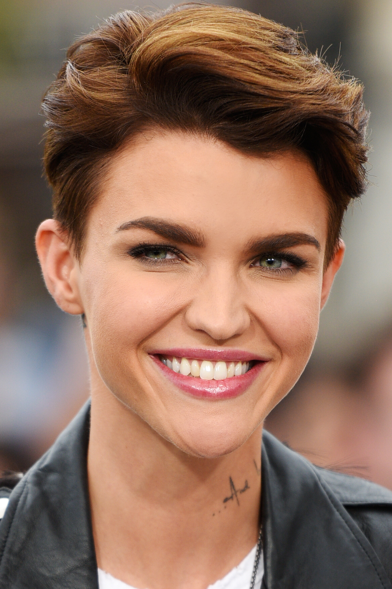 pixie-haircuts-for-women