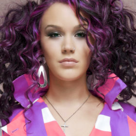 violet-curly-hair-3